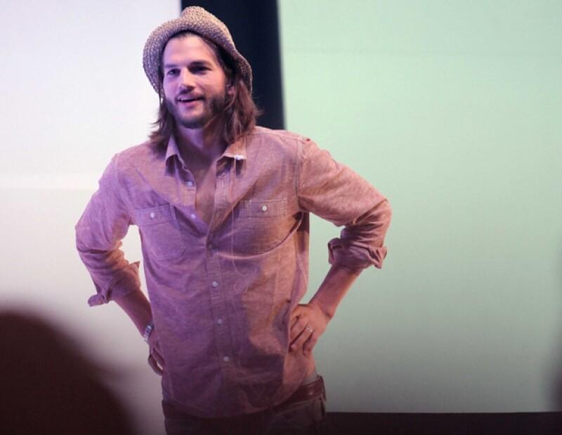 El actor ofreció un magna conferencia acerca de las redes sociales, en donde aseguró estas son una oportunidad para conectarse con el mundo.