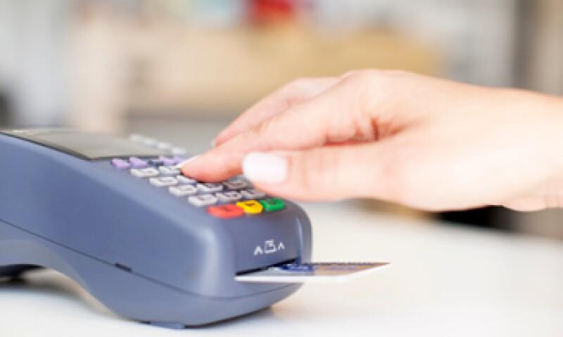 Para los trabajadores, el problema será que ahora deberán comprar en tiendas con el sistema de cobro adecuado. (Foto: Getty Images)