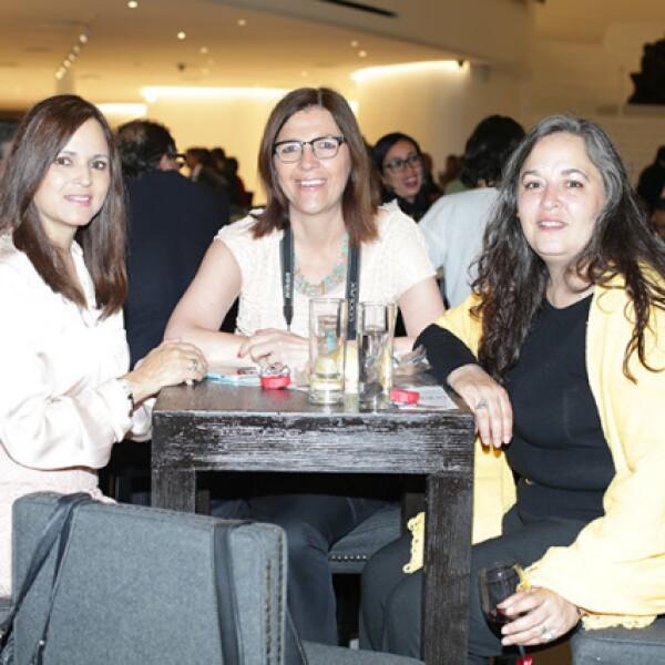 Xiomara de Garralda,Verónica Borrell y Claudia González Garza