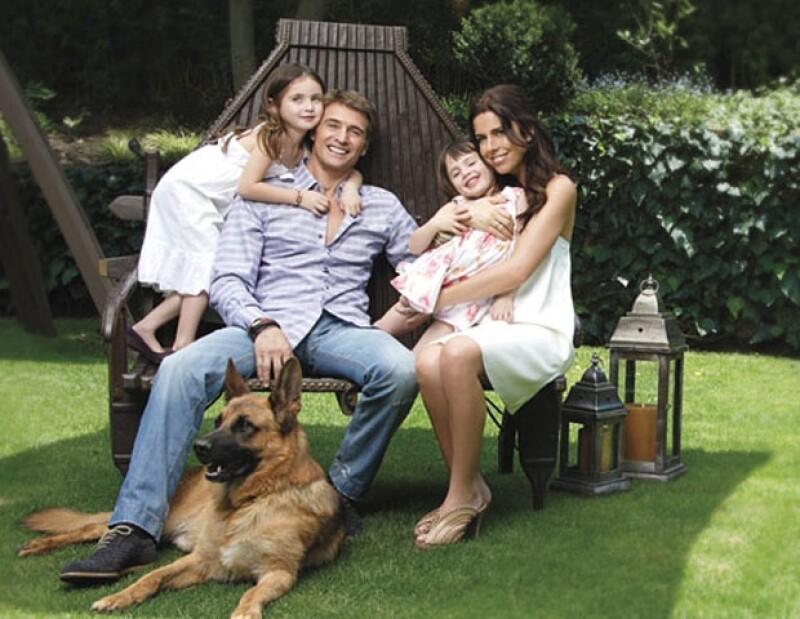 Maki y Juan se conviertieron en padres de dos hermosas niñas, Mía y Azul.