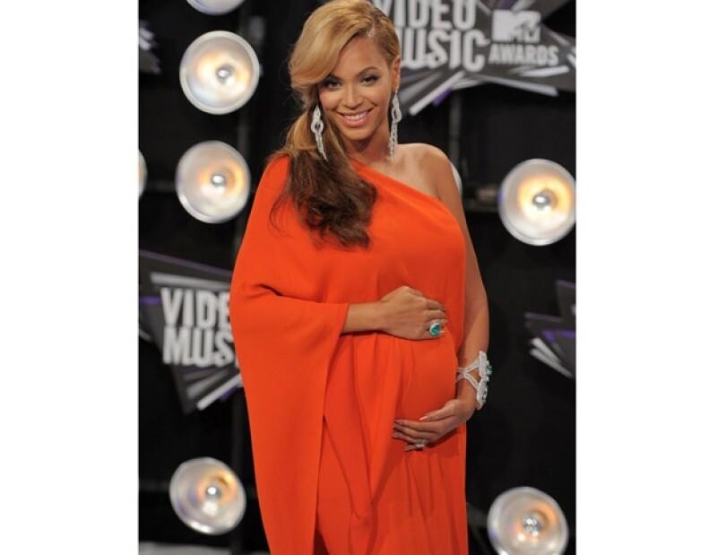Beyoncé dejó a todo mundo con al boca abierta al presentarse con un avanzado embarazo en los premios MTV.