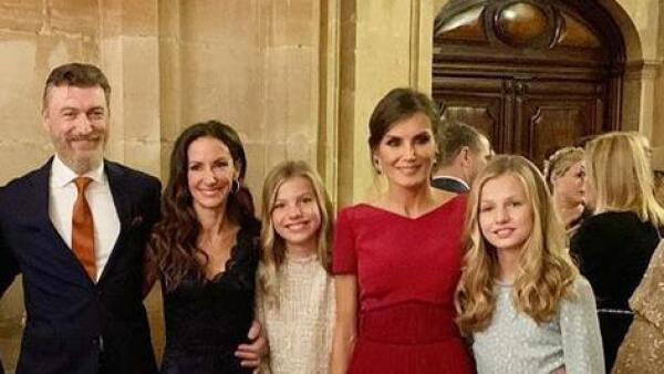 Robert Gavin, Telma Ortiz, infanta Sofía, reina Letizia y la princesa Leonor