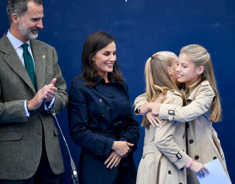 Rey Felipe VI, Reina Letizia, princesa Leonor y la infanta Sofía