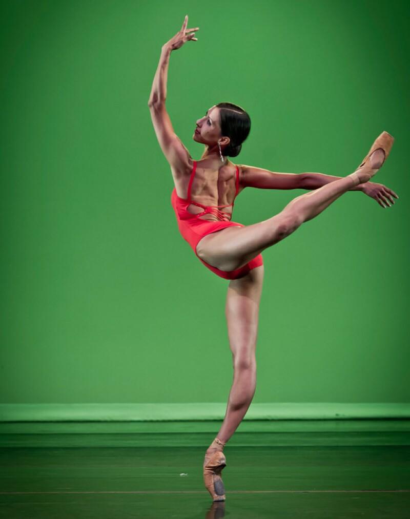 La bailarina mexicana regresa a su país para presentar la Gala Elisa y Amigos, en la que participarán a su lado estrellas del ballet integrantes de las más prestigiosas compañías del mundo.