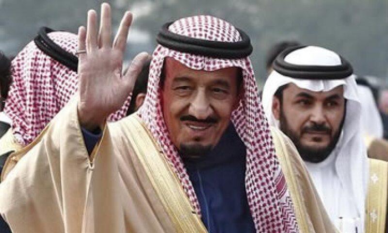 Salman deberá diversificar la economía más allá de la energía. (Foto: Reuters )