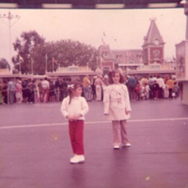Cuando era una niña disfrutó de la magia del parque junto a su hermana Rosa María.