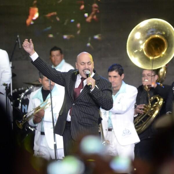 lupillo rivera canta en el homenaje a jenni rivera