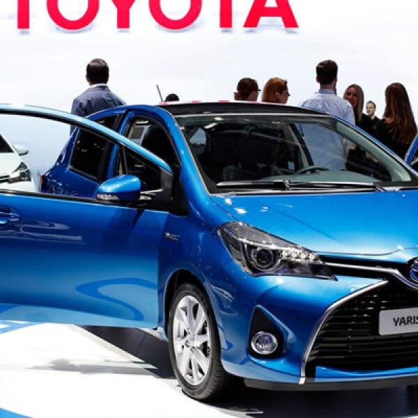 La empresa japonesa presentó su versión híbrida de Yaris.