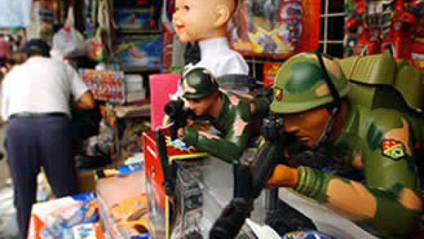 Los juguetes preferidos entre los niños menores de 11 años son los peluches, pelotas y superhéroes, los mayores prefieren los videojuegos. (Foto: AP)
