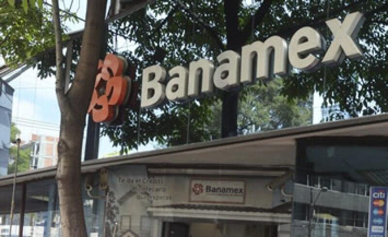 Con los nuevos cajeros se podrán hacer pagos a tarjetas de crédito Banamex y transferencias a cuentas de cheques o tarjetas de débito de esta institución. (Foto: Cuartoscuro)