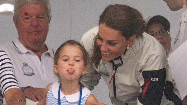 Princesa Charlotte y Kate Middleton