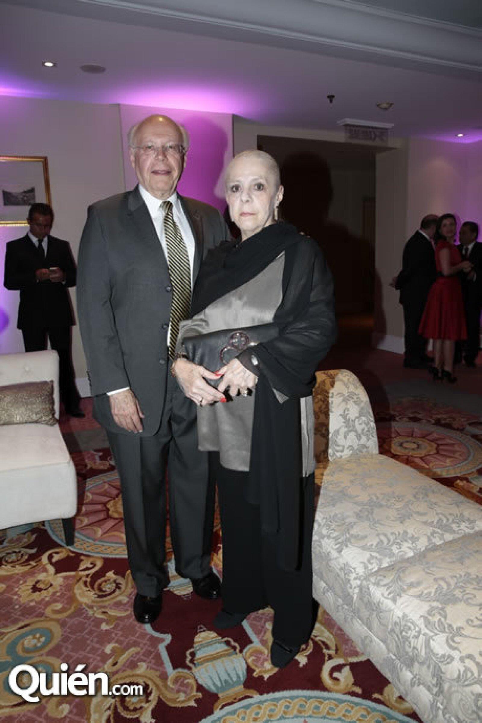 José Narro (Rector de la UNAM),María del Carmen Lobo