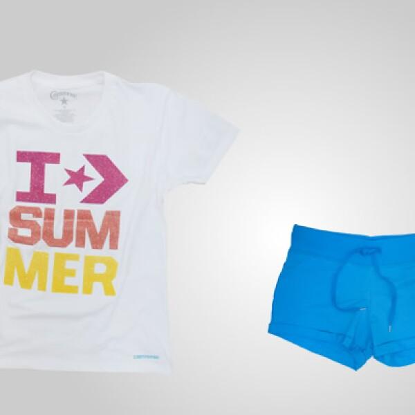 Si prefieres la playera completa puedes complementarla con unos shorts en tono azul.