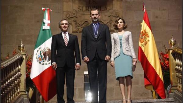 Mancera, jefe de Gobierno del DF, recibió al rey de España y a su esposa, Letizia, en el Antigüo Palacio del Ayuntamiento. Aquí el discurso de Felipe de España al ser nombrados huéspedes distinguidos.