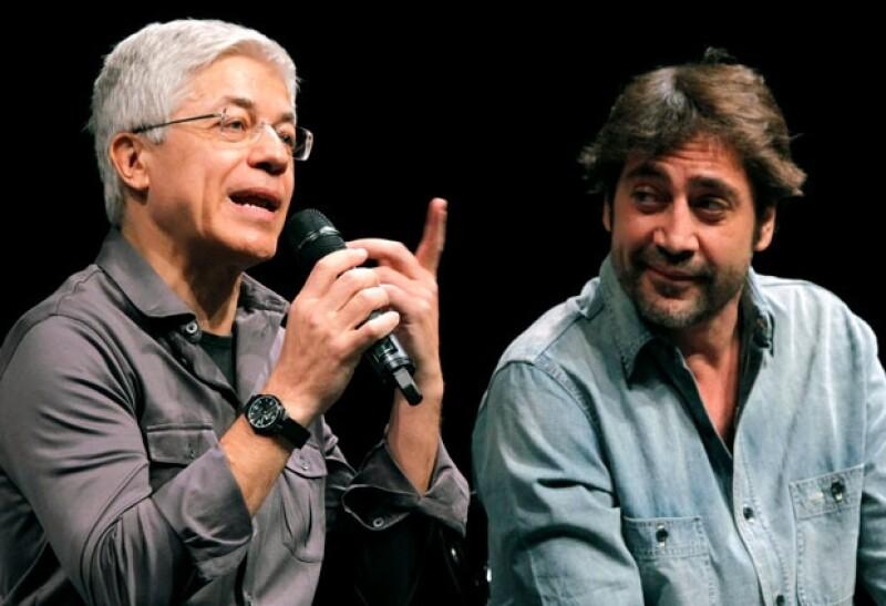 Juan Carlos Corazza, director y fundador del El Estudio Corazza para el Actor, y Javier Bardem, uno de sus pupilos.