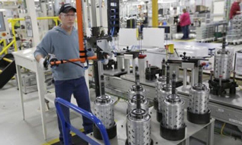 Analistas habían previsto que la producción industrial aumentaría 0.4% en febrero.  (Foto: AP)
