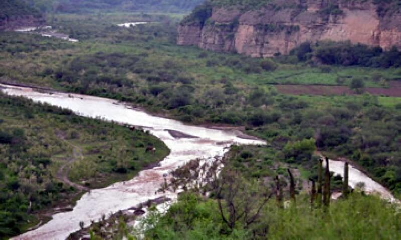 El derrame se detectó el 6 de agosto en el arroyo de Las Tinajas. (Foto: Cuartoscuro)