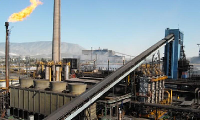 Personal de la Secretaría del Trabajo se trasladará a la mina La Esmeralda para hacer una investigación sobre la seguridad de los trabajadores. (Foto: Cortesía AHMSA)