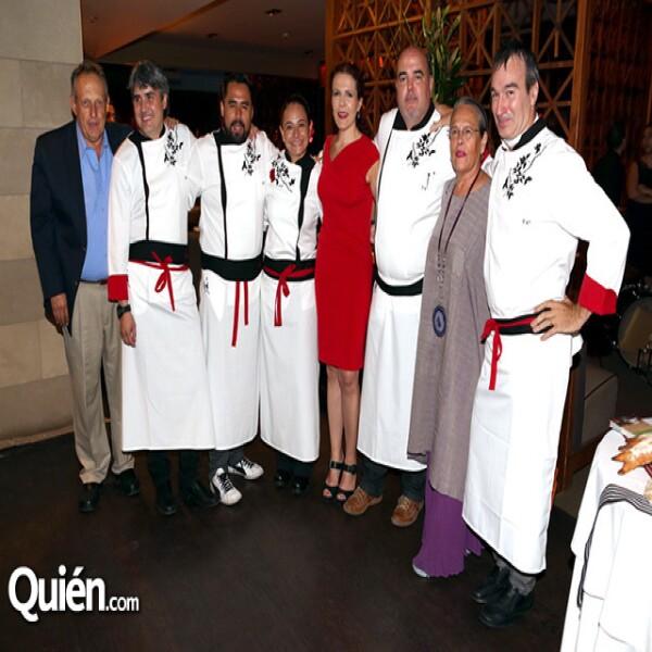 Felipe Álvarez,Mikel Alonso,Sergio Camargo,Yerika Muñoz,Maía Teresa Ramírez Degollado,Juan Bagur,Carmen Titita,Pablo San Román