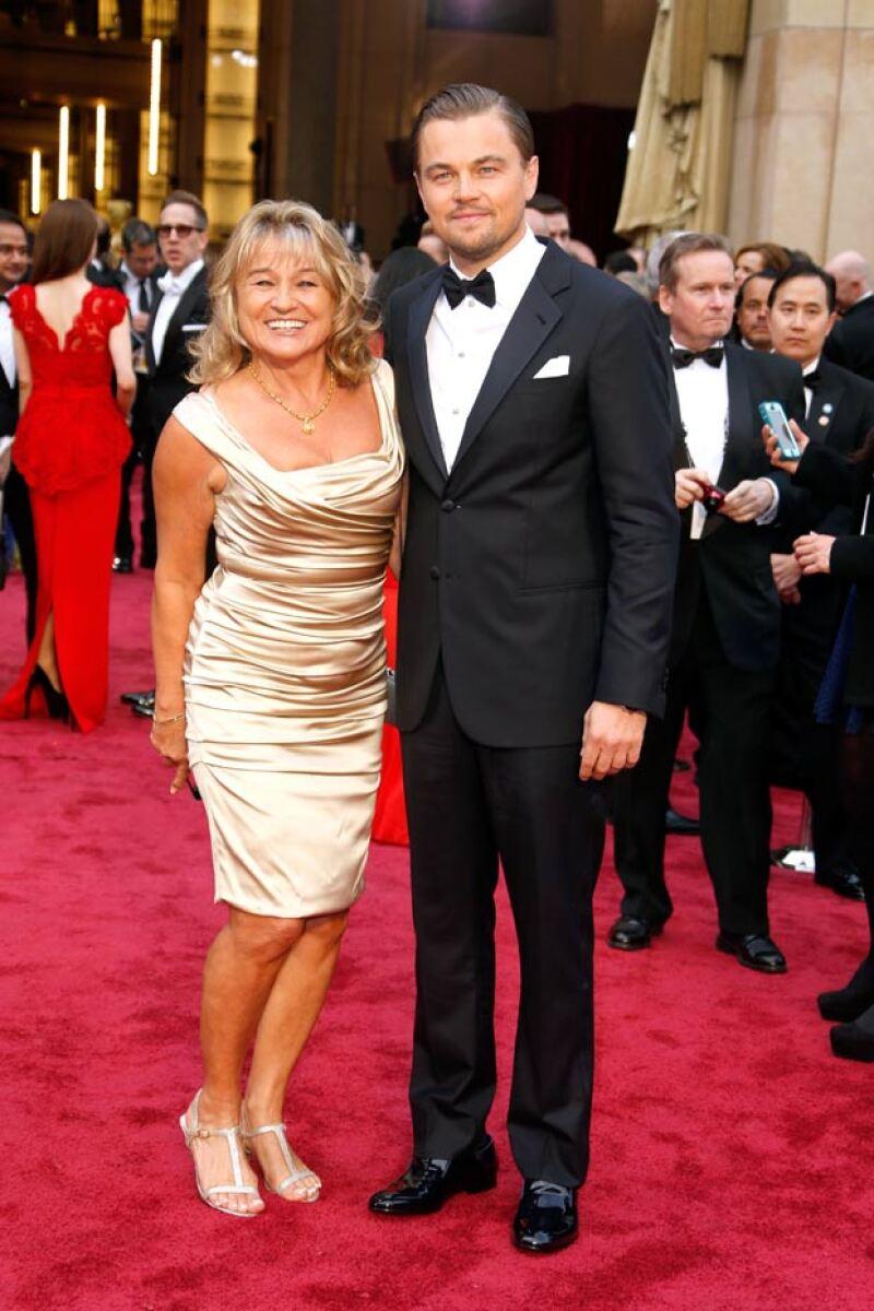 The perfect man and the perfect son! El ganador del Oscar acudió a una subasta en su paso por Cannes y no perdió oportunidad para comprar algo muy especial para su madre, Irmelin Indenbirken.