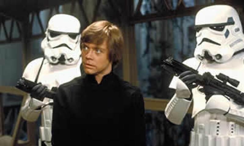 La saga de Star Wars acumula ingresos mundiales por más de 4,500 mdd. (Foto: Facebook/StarWars )