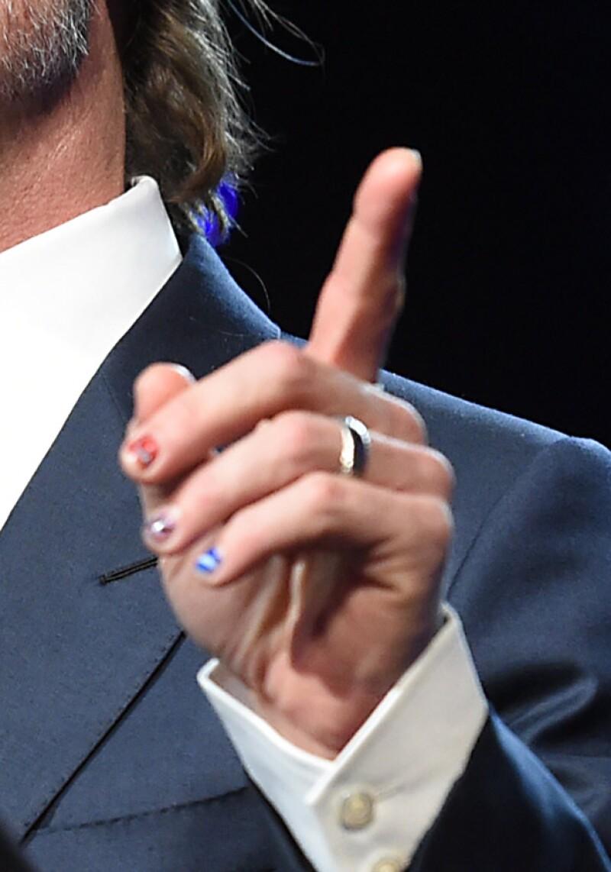 Brad Pitt Sorprende Con Las Uñas Cuidadosamente Pintadas