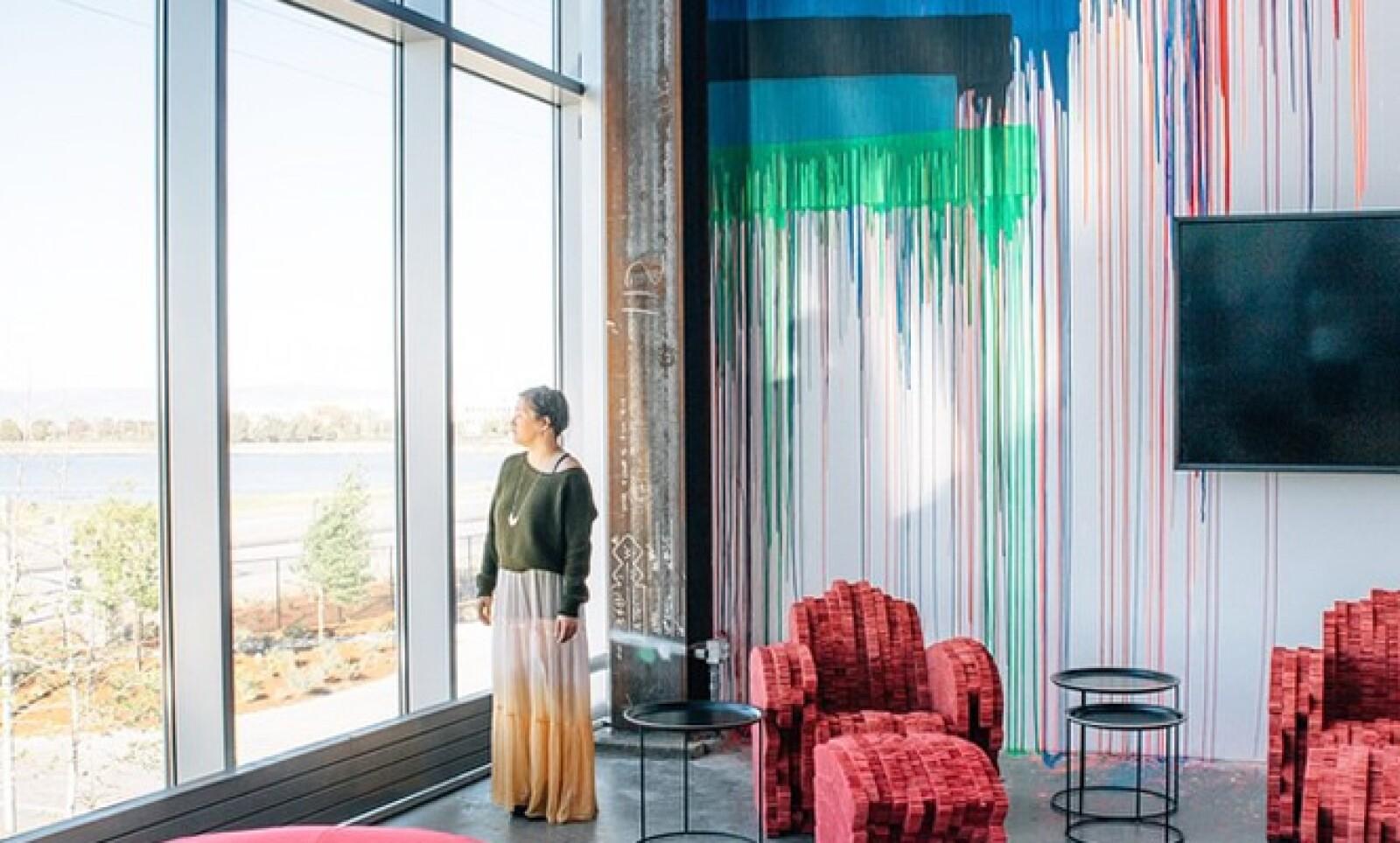 El lugar busca hacer sentir a los visitantes todo lo que falta por hacer para conectar al mundo.