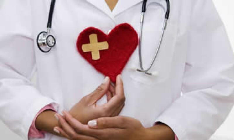 97% de las empresas encuestadas ofrecen seguro de gastos médicos mayores a sus empleados. (Foto: Archivo)