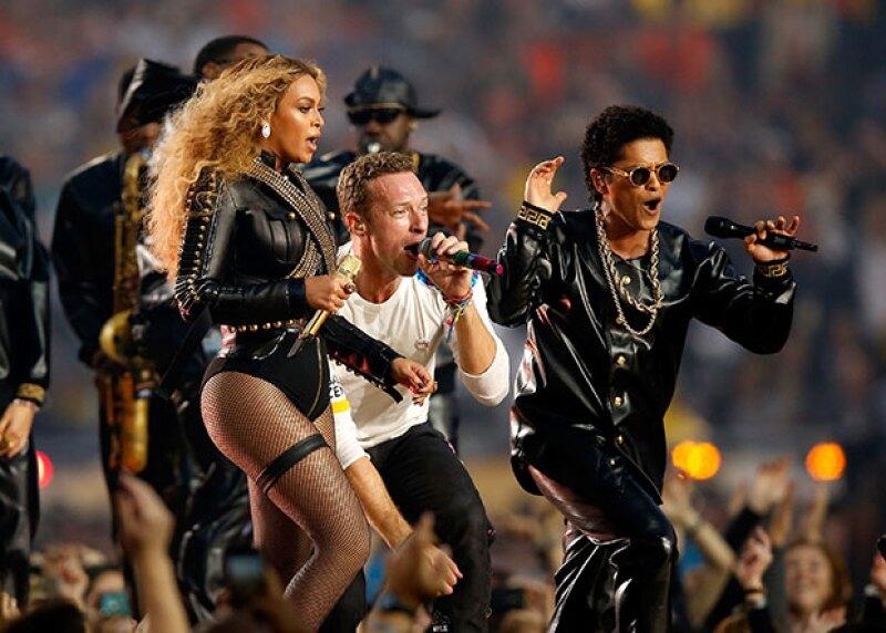 Aunque Coldplay era el headliner del partido, Queen B logró hacer que el show se tratara sólo de ella, una vez más.