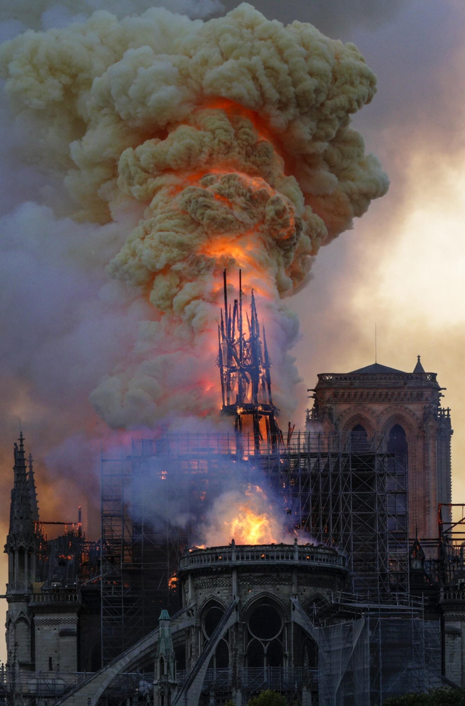 Incendio Notre Dame-14