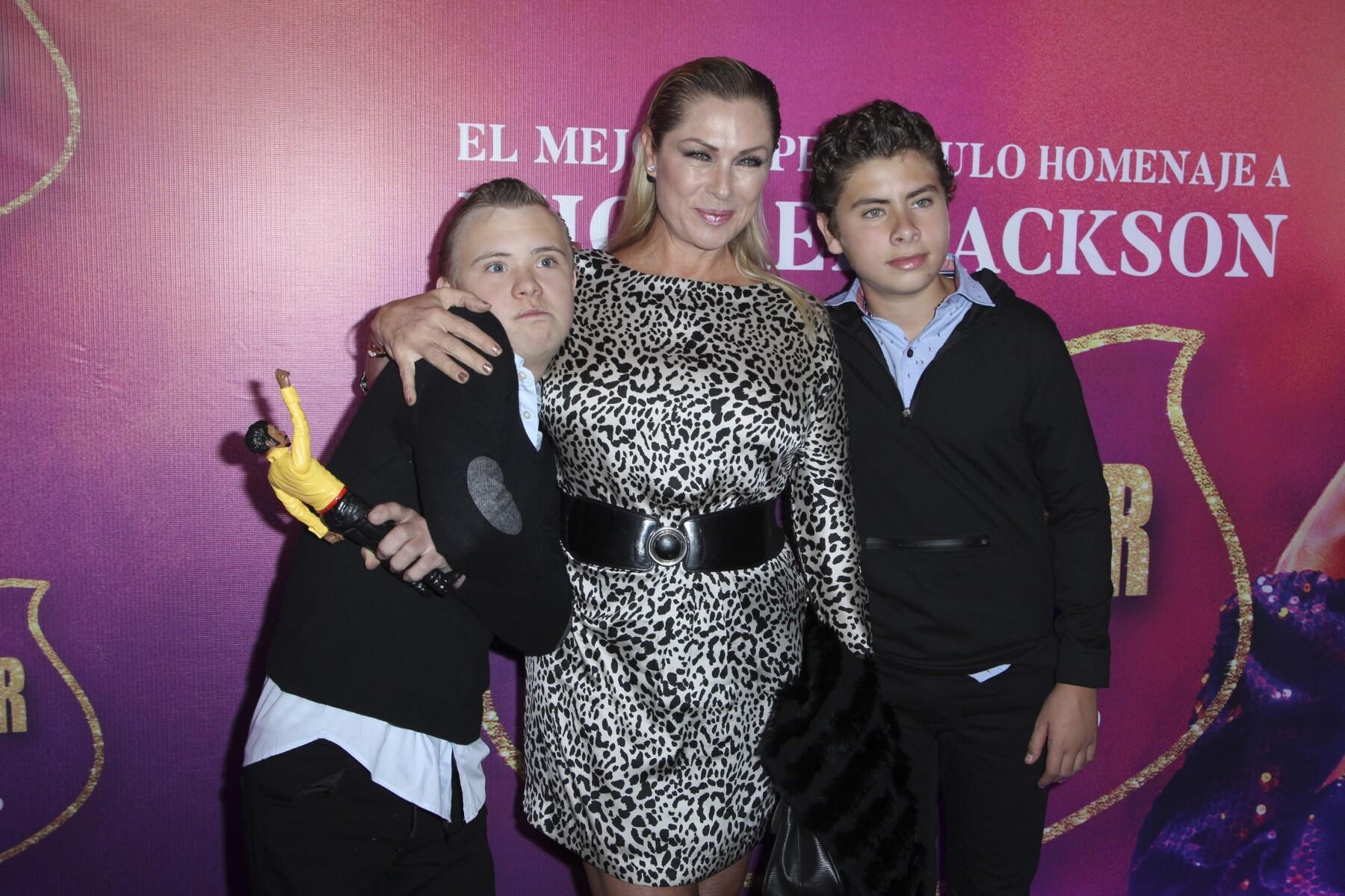 Luciano Collado, Leticia Calderón y Carlos Collado.