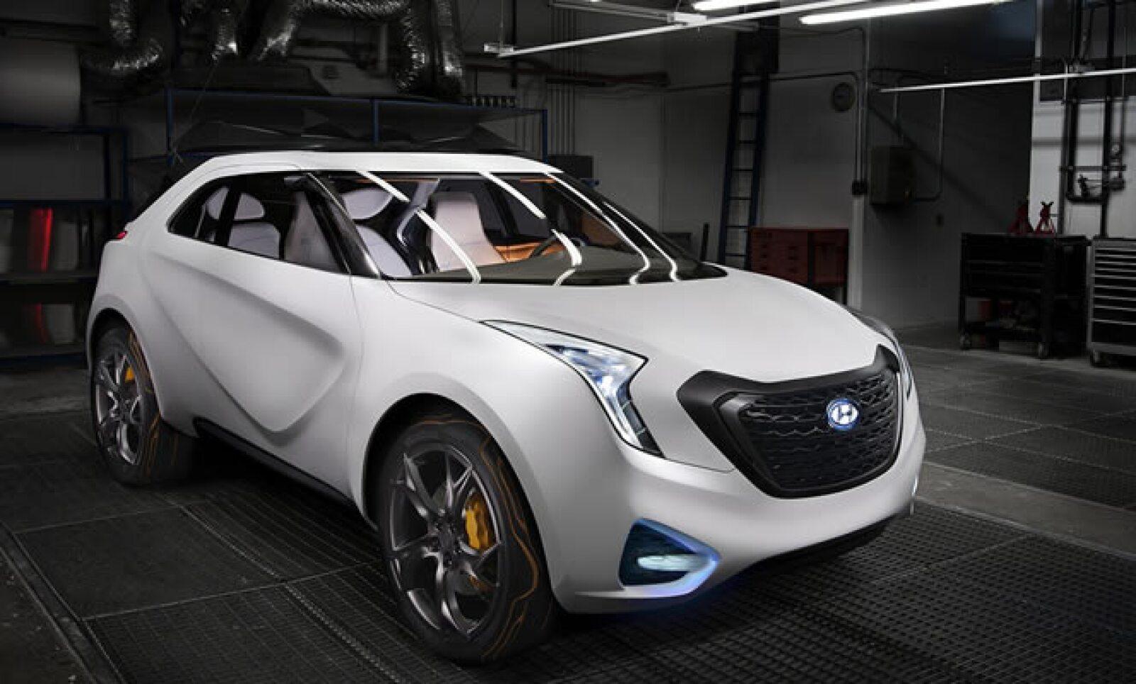 La automotriz de Corea del Sur introdujo en el show un nuevo concepto de camioneta, bajo  el nombre de Urban Activity Vehicle (UAV), con un motor de 1.6 litros, 175 caballos de fuerza bajo el cofre y un rendimiento de 40 millas por galón de gasolina.