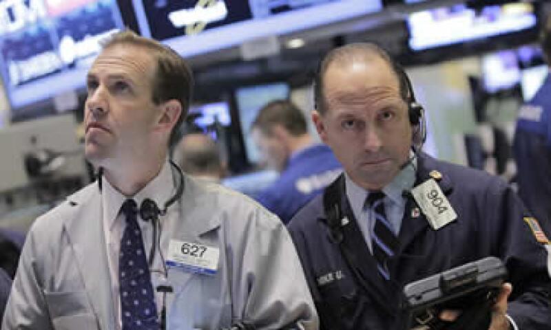 El índice Nasdaq Composite bajaba 34.14 puntos, o 1.13%. (Foto: Reuters)