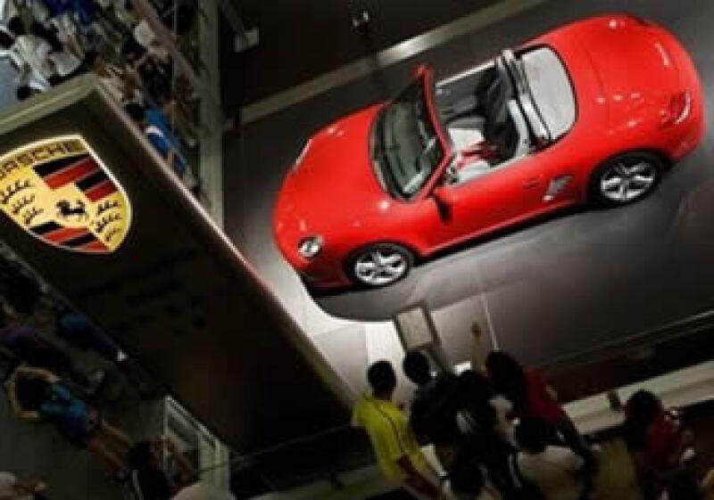 Porsche enfrenta una deuda cercana a los 10,000 millones de euros. (Foto: AP)