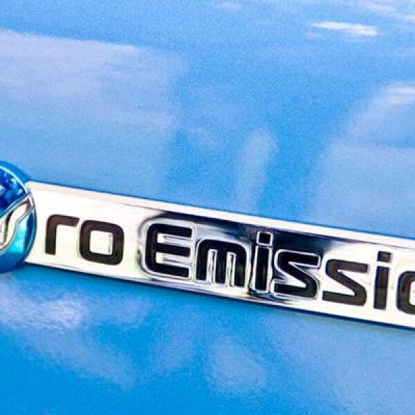 La carga del Nissan Leaf al 100% costará aproximadamente 30 pesos, lo que equivale a 50,000 pesos de ahorro respecto a un híbrido y 100,000 con uno a gasolina equivalente -según datos brindados por la marca- y en un periodo de tiempo de cinco años.