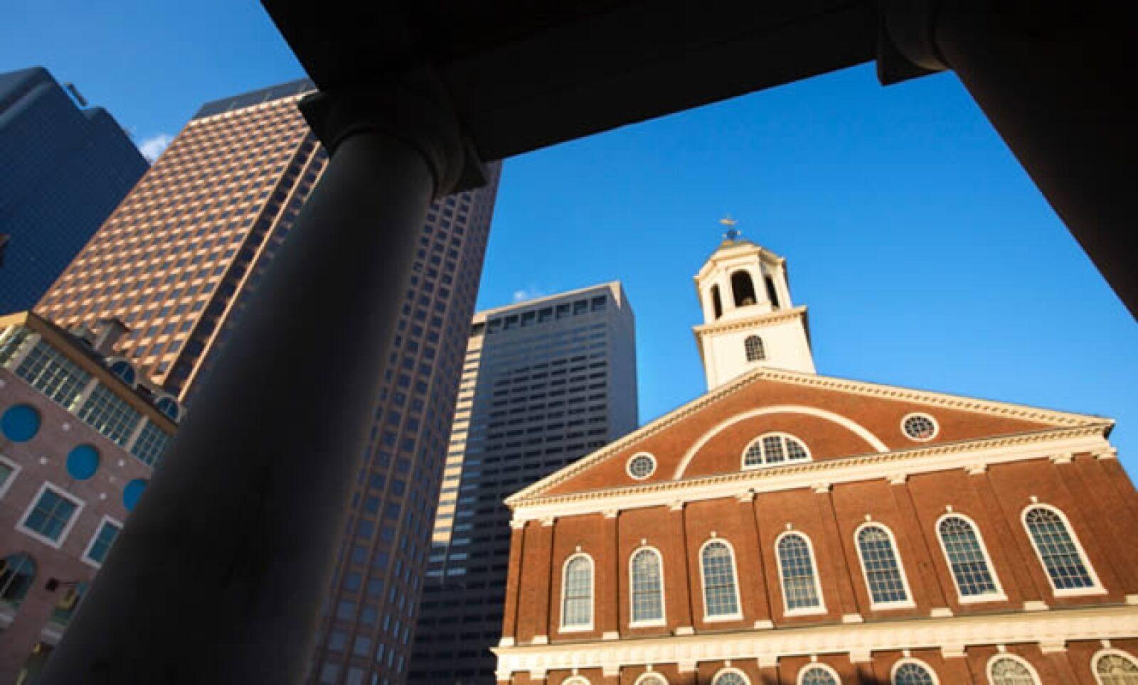 Es en este lugar donde se reúnen la mayoría de los ciudadanos de Boston a festejar las victorias de sus equipos locales (Boston Celtics, basketball; Bruins, hockey y Red Sox, béisbol).
