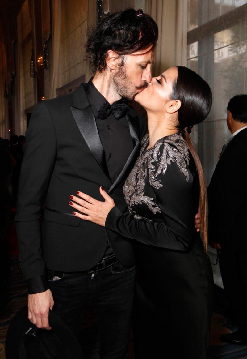 La pareja fue vista en Los Ángeles hace unos días de lo más enamorados durante el evento de AltaMed.