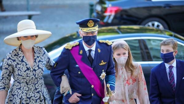 Reina Mathilde, rey Felipe, princesa Elisabeth y el príncipe Emmanuel