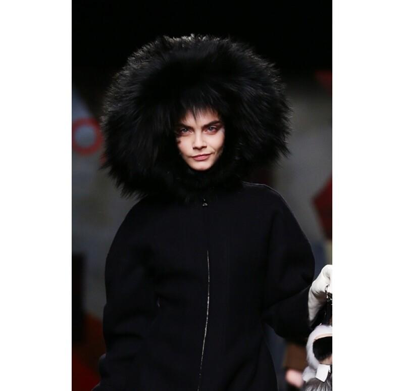 La modelo de 21 años, la más popular del momento, ha decidido reducir su aparición en pasarelas esta temporada. Después de Fendi, en Milan Fashion Week no volveremos a verla.