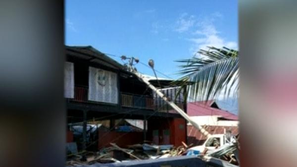 Nuevas imágenes del tsunami en Palu, Indonesia