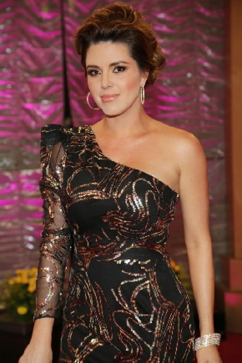 La ex Miss Universo reveló a una publicación estadounidense que tuvo que extirparse las mamas con el fin de combatir el cáncer que le fue detectado en 2013.