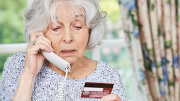 Siete ancianos cayeron en la trampa y perdieron 695,000 dólares. (Foto: Shutterstock )