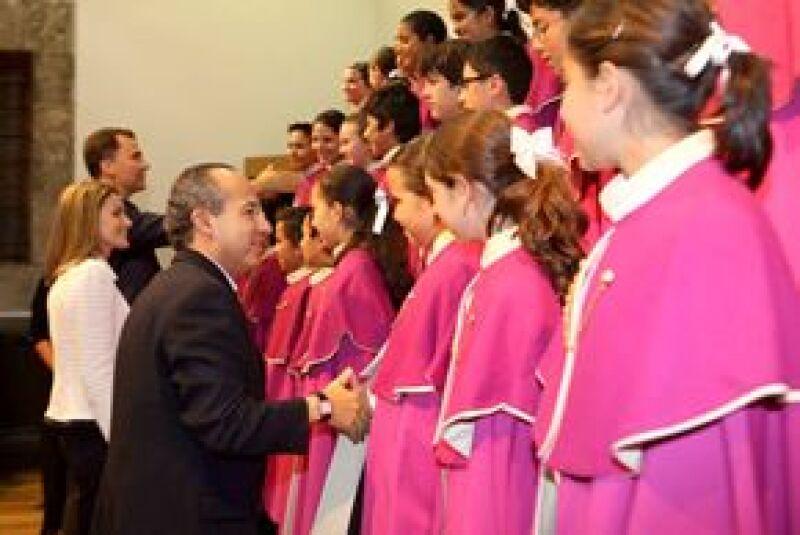 Los Niños Cantores de Morelia se presentaron ante los príncipes de España y el presidente Felipe Calderón y su esposa.