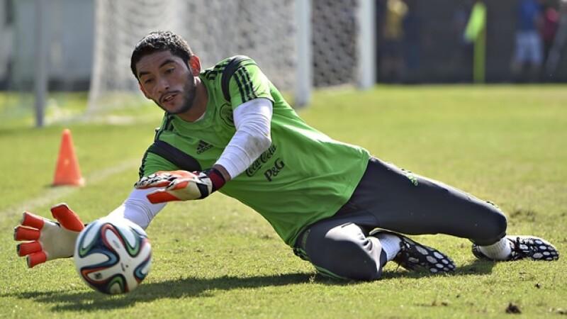 José de Jesús Corona se molestó con el seleccionador nacional por haber difundido un reclamo que le hizo previo al Mundial de Brasil 2014
