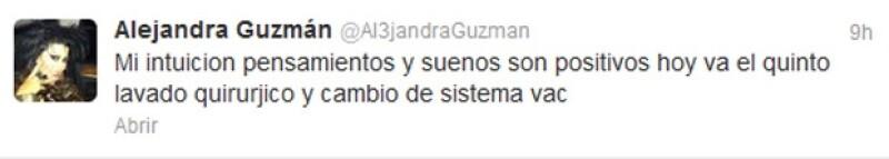 La rockera mexicana regresó al hospital, luego de que el viernes se le diera de alta tras varios días internada.