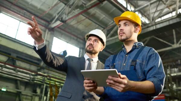Ingenieros en fábrica
