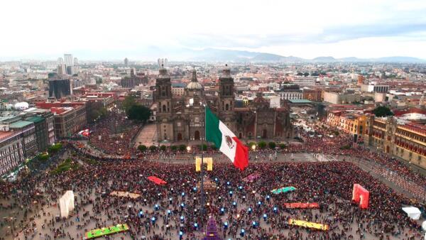 Así se vivió el desfile con el que México celebra a sus muertos