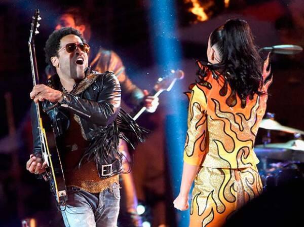 Sus invitados, Lenny Kravitz y Missy Elliott también acapararon los aplausos y ovaciones.