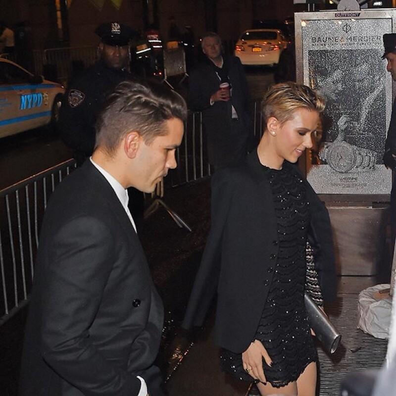 La revista People confirmó, a través de un informante, que la actriz se casó el 1 de octubre pasado con el periodista francés y papá de su hija, Romain Dauriac.