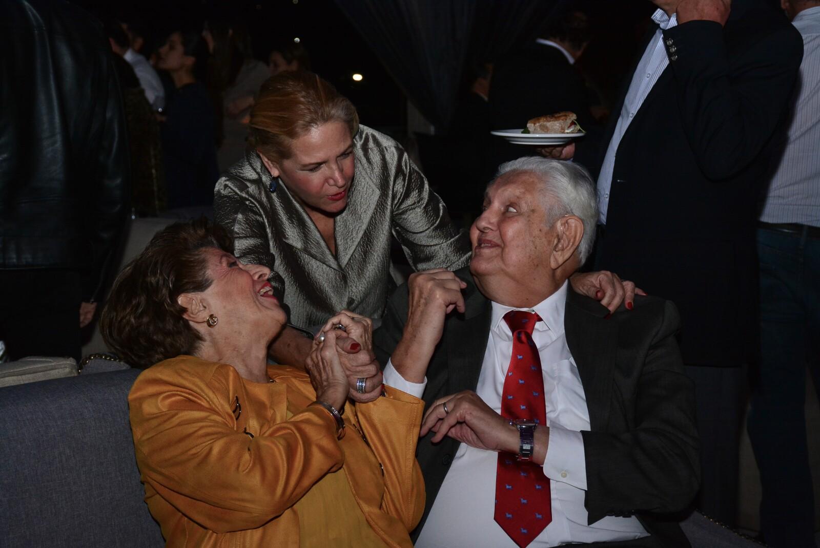 Isabel Camarena, Marisa Ángel y Pedro Martínez.jpg